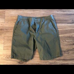 "9"" Olive Chino Shorts 33"